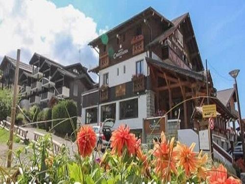 Hotel 556 - Slide 4