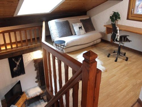 Slide2 - Apartment 781