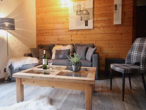 Slide4 - Apartment 781