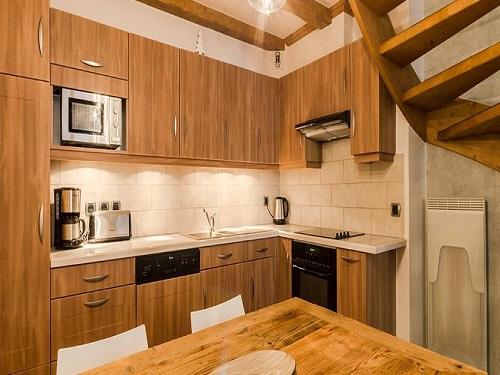 Slide8 - Apartment 976