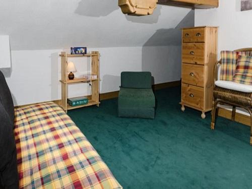 Slide5 - Residence 979